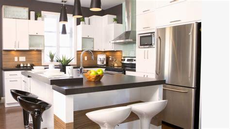 construction cuisine cuisine avec des armoires laquées construction abg