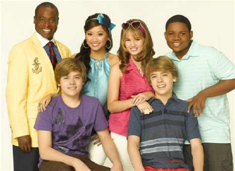 The Suite On Deck Cast Kirby by Hiatus Disney Channel Voc 234 Zack E G 234 Meos A Bordo