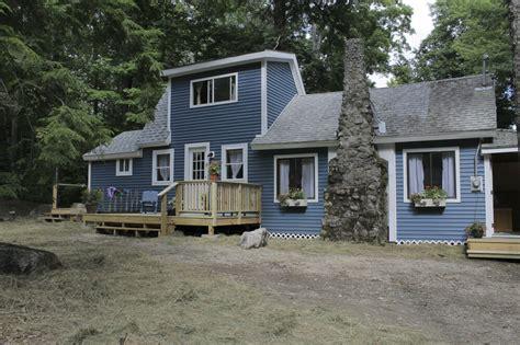 rebuilding   schoolhouse  maine cabin masters