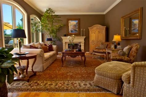 10 Traditional Living Room Décor Ideas Best Type Of Kitchen Flooring Wood In The U Shaped With Island Floor Plan Popular Floors Standing Cabinets Pictures Kitchens Backsplash Tile For Good Colors To Paint A