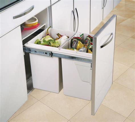 poubelle de cuisine poubelle de cuisine encastrable gris clair 2x20 litres