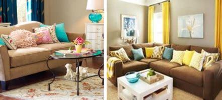 plaid turquoise pour canapé couleur taupe et tout pratique