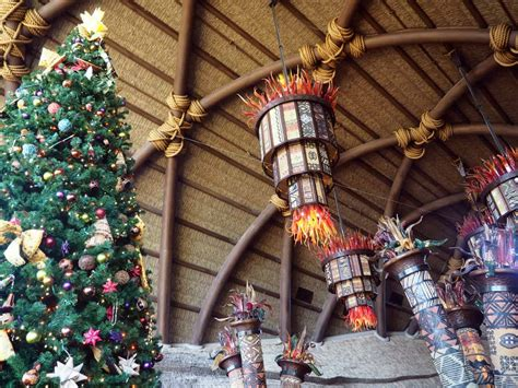 When Do Disney Hotels Decorate For - disney resort decorations tour at walt disney