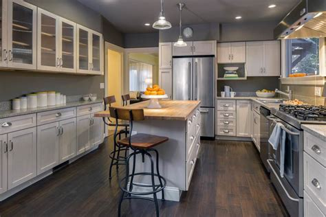 most popular kitchen cabinet color 2017 most popular kitchen cabinet colors kitcheniac 9306