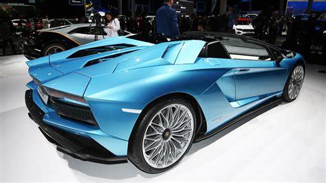 lamborghini aventador s roadster speed lamborghini aventador s roadster loses roof keeps the speed autoblog