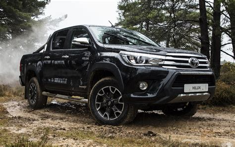 toyota hilux invincible  chrome edition