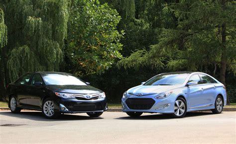 toyota camry vs hyundai sonata toyota camry hybrid vs hyundai sonata hybrid car reviews