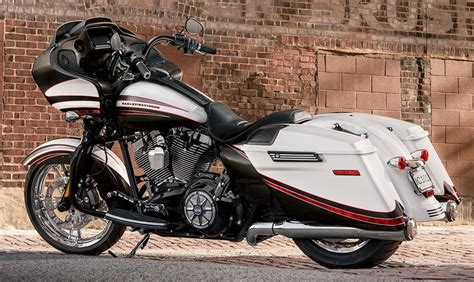 Harley Davidson Road Glide Special Specs