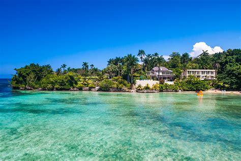 Rio Chico  Luxury Retreats