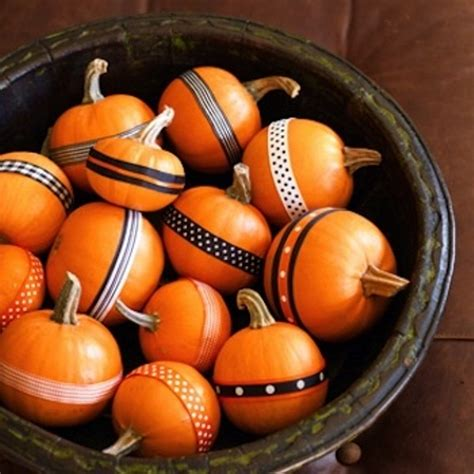 pumpkin decorations 47 awesome pumpkin centerpieces for fall and halloween table digsdigs