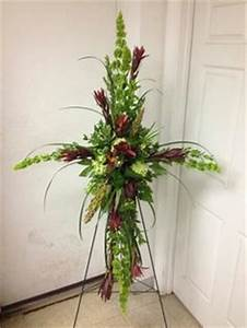 standing spray by Carver Flowers Flower inspiration