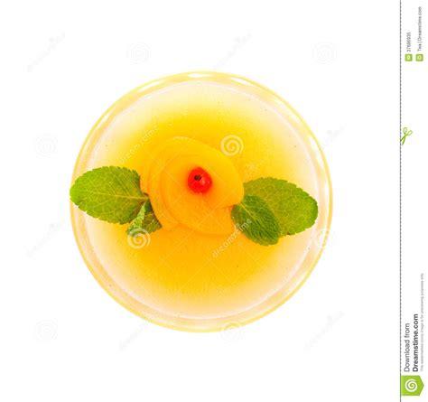 dessert frais avec la mangue et la p 234 che photo libre de droits image 37686935