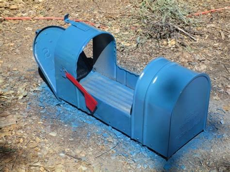 Garden Planter From A Mailbox Hometalk