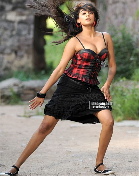 Actress Sexy Spicy Hot Pictures Actress Priyamani