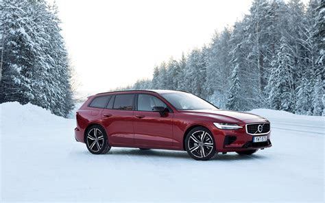 Volvo Phev 2019 by 2019 Volvo V60 The World S Only Phev Wagon The Car Guide