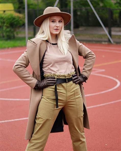 Ivars, ieraugot šo outfitu, teica, ka izskatos pēc Indiana ...