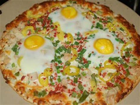 cuisiner la mozzarella recette facile de pizza aux œufs fait maison