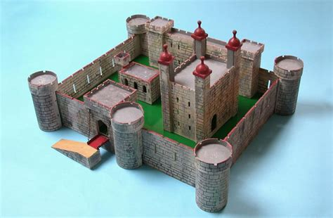 Toy Castle of the Week: TRI-ANG No:6 Tower of London