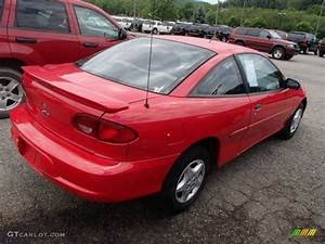 2001 Bright Red Chevrolet Cavalier Coupe #83377824 Photo ...