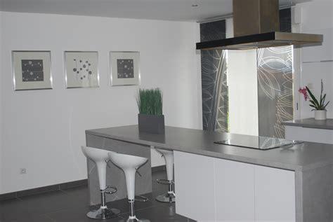 cuisines blanches et grises charmant cuisine laquée blanche plan de travail gris avec