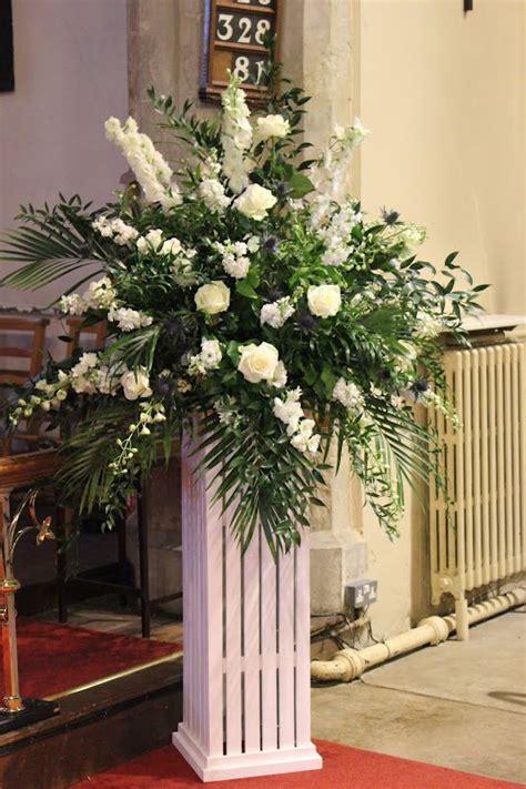 images  church flowers  pinterest altar