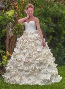 2 in 1 brautkleid stunning toilet paper wedding dress wins 10 000 prize you gotta see it