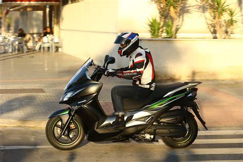 First ride: Kawasaki J125 review   Visordown