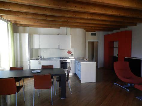 appartamenti in affitto a desenzano casa vacanze desenzano appartamento lago di garda