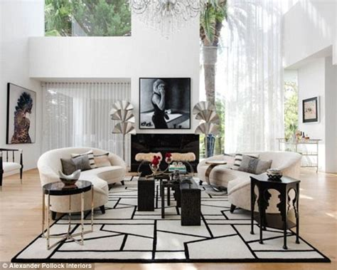 Kris Jenner Home Interior by Designer Transforms Living Room To Look Like Kris Jenner S