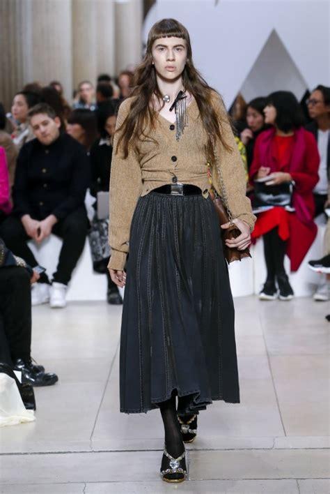 Модные юбки 20202021 топ20 самых трендовых фасонов юбки фото образов с юбкой