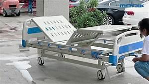Two Crank Manual Hospital Bed Ya-m- 3