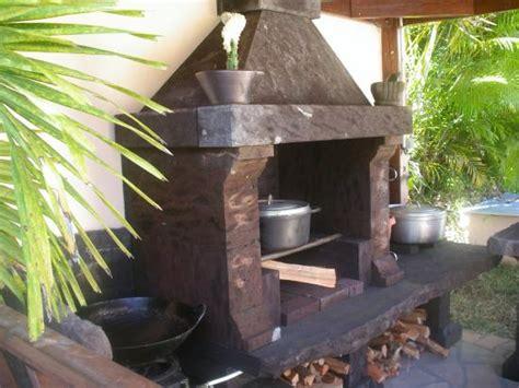 cuisine au bois cuisine d 39 été au feu de bois et barbecue de l 39 hébergement