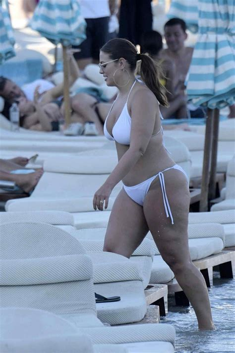 ashley graham bikini bottom   shes wearing