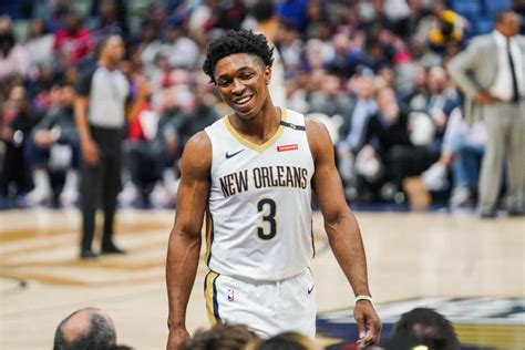 pelicans decline  extend qualifying offer  stanley johnson