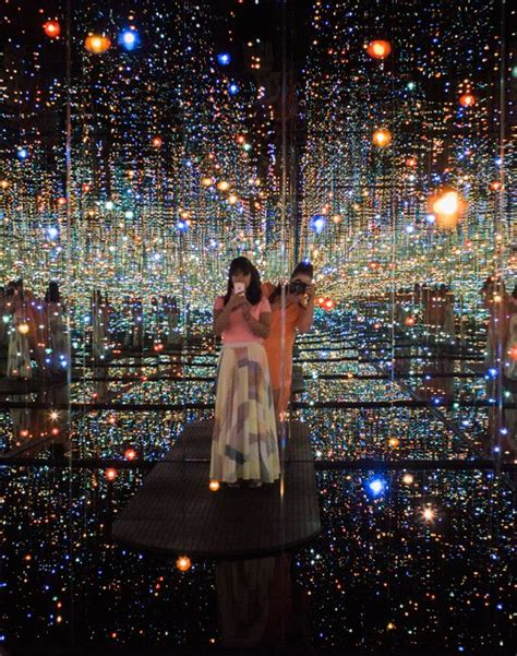 25 best ideas about infinity room on infinity mirror room light installation