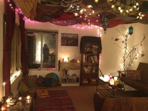Bedroom Decorating Ideas Hippie by Best 25 Hippie Living Room Ideas On Bohemian