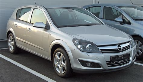 opel astra sedan 2010 opel astra h sedan pictures information and specs