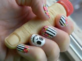 Skull with roses nail design halloween by thepetite on deviantart
