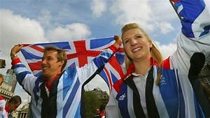Rebecca Adlington puts in a gold medal-winning performance ...