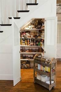 meubles sous escalier idees amenagement accueil design With idee deco sous escalier