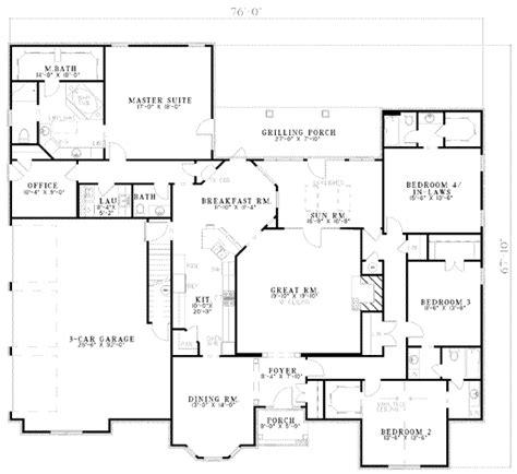 ranch style house plan  beds  baths  sqft plan   houseplanscom