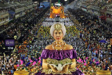 Rio Carnival-escolas De Samba. Fazenda