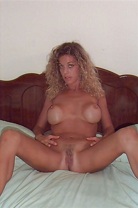 Darcy Hot MILF Solo Pics XHamster