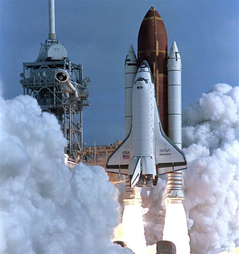 With the Shuttle Program Ending, Fears of Decline at NASA ...