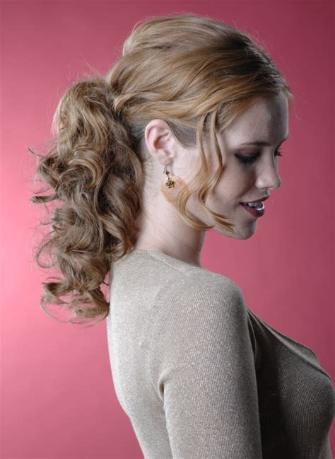 festive hairstyle   ponytail  natural curls