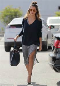 actress jessica the office jessica alba heads to office days after lawsuit is filed