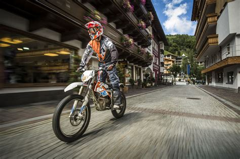 the ktm freeride e electric dirt bike finally arrives gas 2