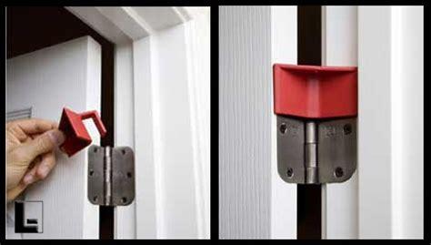 hinge door stop hinge buddy portable door stop 1 ea lodgingkit