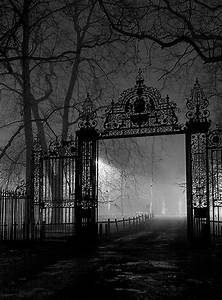 Spooky Gates | Burial Grounds/Cemeteries | Pinterest