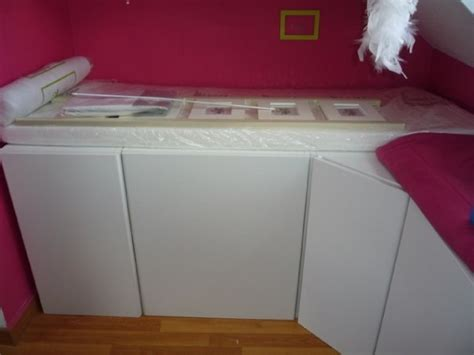 bureau pour lit mezzanine un lit enfant avec du rangement à base de meubles de